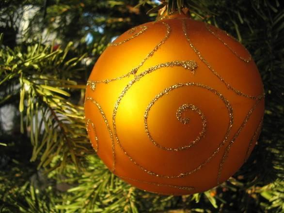 bola navideña, atraer la prosperidad