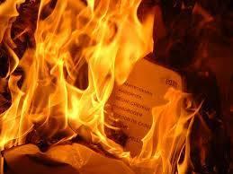 papel y fuego
